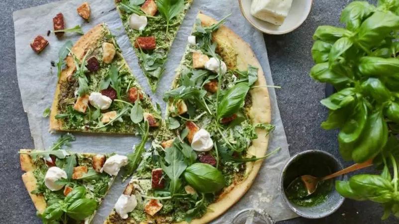 Pica su Halloumi sūriu ir Pesto padažu