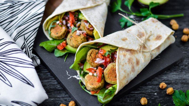 https://begliuteno.schaer.com/recipes/veganiski-falafeliu-suktinukai